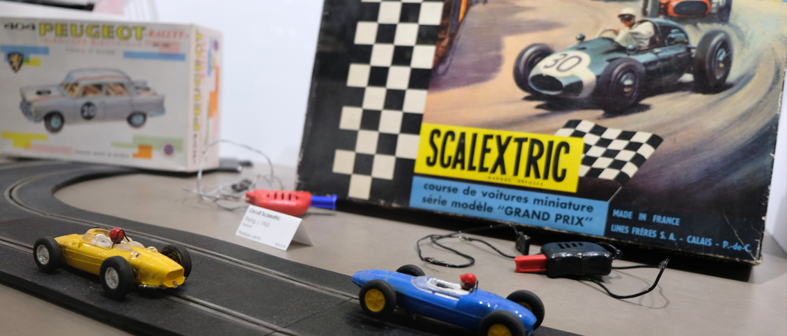 Circuit-Scalextric_Musee-Jouet_Colmar.jpg.png